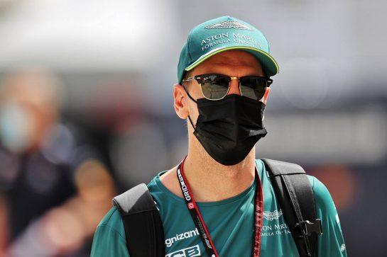 Sebastian Vettel (GER) Aston Martin F1 Team. 25.03.2021. Formula 1 World Championship, Rd 1, Bahrain Grand Prix, Sakhir, Bahrain, Preparation Day. - www.xpbimages.com, EMail: requests@xpbimages.com © Copyright: Moy / XPB Images