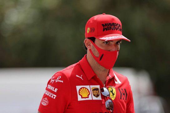 Carlos Sainz Jr (ESP), Scuderia Ferrari 25.03.2021. Formula 1 World Championship, Rd 1, Bahrain Grand Prix, Sakhir, Bahrain, Preparation Day.- www.xpbimages.com, EMail: requests@xpbimages.com © Copyright: Charniaux / XPB Images