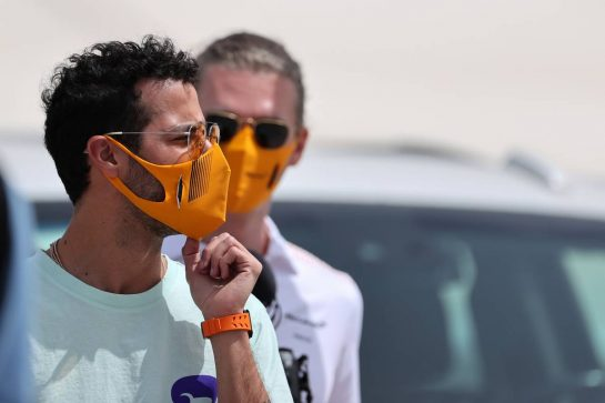 Daniel Ricciardo (AUS), McLaren F1 Team 25.03.2021. Formula 1 World Championship, Rd 1, Bahrain Grand Prix, Sakhir, Bahrain, Preparation Day.- www.xpbimages.com, EMail: requests@xpbimages.com © Copyright: Charniaux / XPB Images