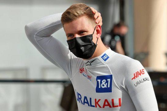Mick Schumacher (GER) Haas F1 Team. 25.03.2021. Formula 1 World Championship, Rd 1, Bahrain Grand Prix, Sakhir, Bahrain, Preparation Day. - www.xpbimages.com, EMail: requests@xpbimages.com © Copyright: Batchelor / XPB Images