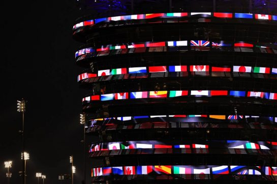 Circuit atmosphere - illuminated building. 25.03.2021. Formula 1 World Championship, Rd 1, Bahrain Grand Prix, Sakhir, Bahrain, Preparation Day. - www.xpbimages.com, EMail: requests@xpbimages.com © Copyright: Batchelor / XPB Images