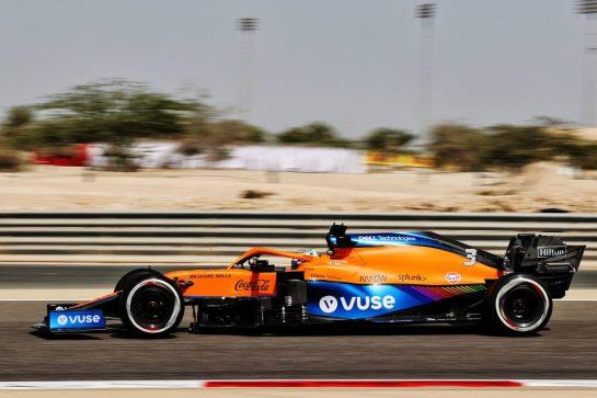 Daniel Ricciardo (AUS) McLaren MCL35M. 26.03.2021. Formula 1 World Championship, Rd 1, Bahrain Grand Prix, Sakhir, Bahrain, Practice Day - www.xpbimages.com, EMail: requests@xpbimages.com © Copyright: Batchelor / XPB Images