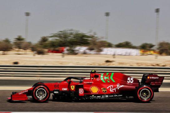 Carlos Sainz Jr (ESP) Ferrari SF-21. 26.03.2021. Formula 1 World Championship, Rd 1, Bahrain Grand Prix, Sakhir, Bahrain, Practice Day - www.xpbimages.com, EMail: requests@xpbimages.com © Copyright: Batchelor / XPB Images