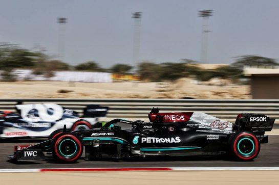 Lewis Hamilton (GBR) Mercedes AMG F1 W12. 26.03.2021. Formula 1 World Championship, Rd 1, Bahrain Grand Prix, Sakhir, Bahrain, Practice Day - www.xpbimages.com, EMail: requests@xpbimages.com © Copyright: Batchelor / XPB Images