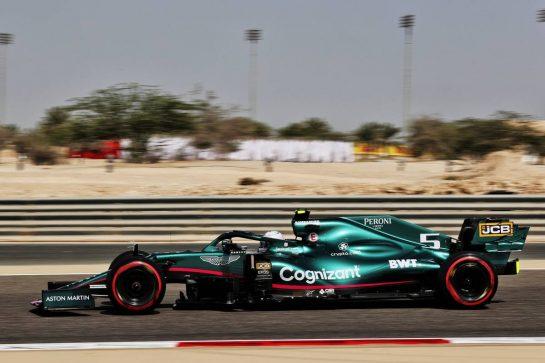 Sebastian Vettel (GER) Aston Martin F1 Team AMR21. 26.03.2021. Formula 1 World Championship, Rd 1, Bahrain Grand Prix, Sakhir, Bahrain, Practice Day - www.xpbimages.com, EMail: requests@xpbimages.com © Copyright: Batchelor / XPB Images