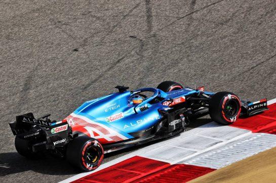 Fernando Alonso (ESP) Alpine F1 Team A521. 26.03.2021. Formula 1 World Championship, Rd 1, Bahrain Grand Prix, Sakhir, Bahrain, Practice Day - www.xpbimages.com, EMail: requests@xpbimages.com © Copyright: Charniaux / XPB Images