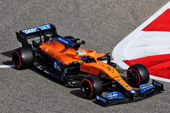 Daniel Ricciardo (AUS) McLaren MCL35M. 26.03.2021. Formula 1 World Championship, Rd 1, Bahrain Grand Prix, Sakhir, Bahrain, Practice Day - www.xpbimages.com, EMail: requests@xpbimages.com © Copyright: Charniaux / XPB Images