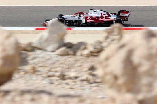 Kimi Raikkonen (FIN), Alfa Romeo Racing 26.03.2021. Formula 1 World Championship, Rd 1, Bahrain Grand Prix, Sakhir, Bahrain, Practice Day- www.xpbimages.com, EMail: requests@xpbimages.com © Copyright: Charniaux / XPB Images