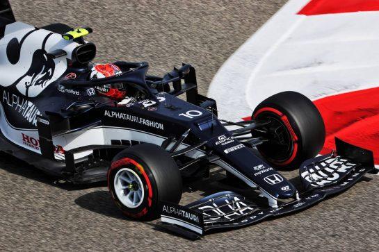 Pierre Gasly (FRA) AlphaTauri AT02. 26.03.2021. Formula 1 World Championship, Rd 1, Bahrain Grand Prix, Sakhir, Bahrain, Practice Day - www.xpbimages.com, EMail: requests@xpbimages.com © Copyright: Batchelor / XPB Images