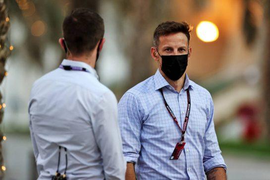 Jenson Button (GBR) Sky Sports F1 Presenter / Williams Racing Senior Advisor. 26.03.2021. Formula 1 World Championship, Rd 1, Bahrain Grand Prix, Sakhir, Bahrain, Practice Day - www.xpbimages.com, EMail: requests@xpbimages.com © Copyright: Moy / XPB Images