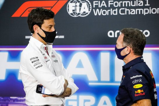 (L to R): Toto Wolff (GER) Mercedes AMG F1 Shareholder and Executive Director and Christian Horner (GBR) Red Bull Racing Team Principal in the FIA Press Conference. 26.03.2021. Formula 1 World Championship, Rd 1, Bahrain Grand Prix, Sakhir, Bahrain, Practice Day - www.xpbimages.com, EMail: requests@xpbimages.com © Copyright: FIA Pool Image for Editorial Use Only