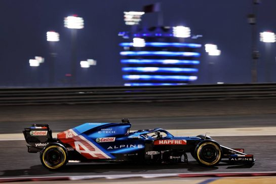 Fernando Alonso (ESP) Alpine F1 Team A521. 26.03.2021. Formula 1 World Championship, Rd 1, Bahrain Grand Prix, Sakhir, Bahrain, Practice Day - www.xpbimages.com, EMail: requests@xpbimages.com © Copyright: Batchelor / XPB Images