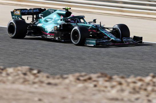 Sebastian Vettel (GER) Aston Martin F1 Team AMR21. 27.03.2021. Formula 1 World Championship, Rd 1, Bahrain Grand Prix, Sakhir, Bahrain, Qualifying Day. - www.xpbimages.com, EMail: requests@xpbimages.com © Copyright: Charniaux / XPB Images