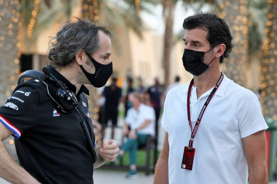 (L to R): Ciaron Pilbeam (GBR) Alpine F1 Team Chief Race Engineer with Mark Webber (AUS) Channel 4 Presenter.