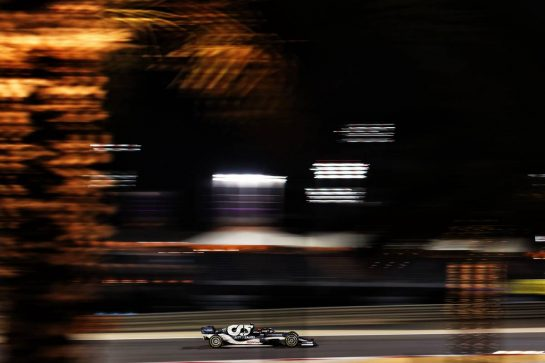 Yuki Tsunoda (JPN) AlphaTauri AT02. 27.03.2021. Formula 1 World Championship, Rd 1, Bahrain Grand Prix, Sakhir, Bahrain, Qualifying Day. - www.xpbimages.com, EMail: requests@xpbimages.com © Copyright: Charniaux / XPB Images
