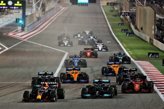 Max Verstappen (NLD) Red Bull Racing RB16B leads Lewis Hamilton (GBR) Mercedes AMG F1 W12 and Charles Leclerc (MON) Ferrari SF-21 at the start of the race. 28.03.2021. Formula 1 World Championship, Rd 1, Bahrain Grand Prix, Sakhir, Bahrain, Race Day. - www.xpbimages.com, EMail: requests@xpbimages.com © Copyright: Batchelor / XPB Images