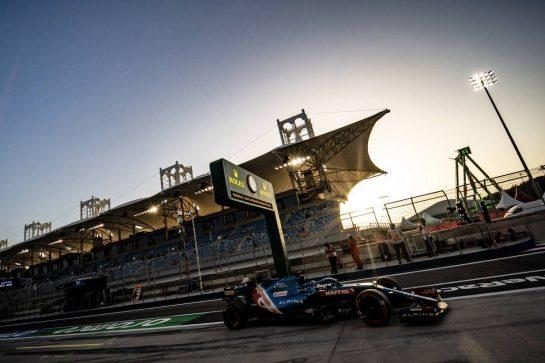 Fernando Alonso (ESP) Alpine F1 Team A521. 28.03.2021. Formula 1 World Championship, Rd 1, Bahrain Grand Prix, Sakhir, Bahrain, Race Day. - www.xpbimages.com, EMail: requests@xpbimages.com © Copyright: Bearne / XPB Images