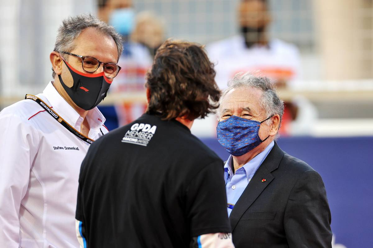 Stefano Domenicali (ITA) Formula One President and CEO on the grid with Fernando Alonso (ESP) Alpine F1 Team and Jean Todt (FRA) FIA President.