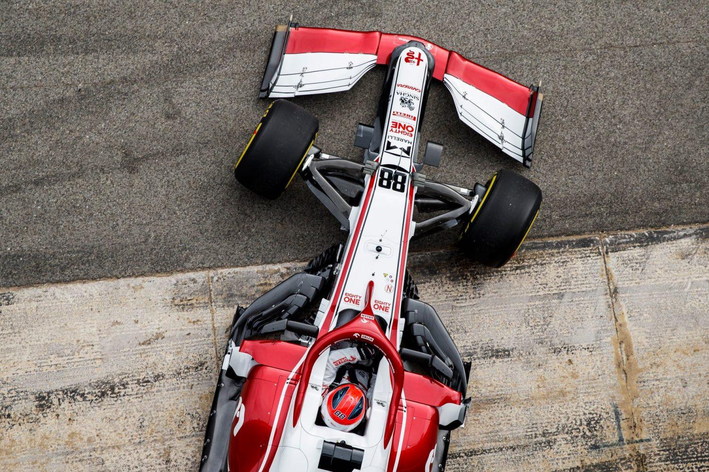 Alfa Romeo 'working hard' to complete new simulator