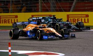 McLaren says Ricciardo hampered by floor damage in Bahrain