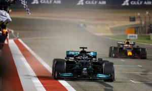 Hamilton hangs on to beat Verstappen in thrilling opener
