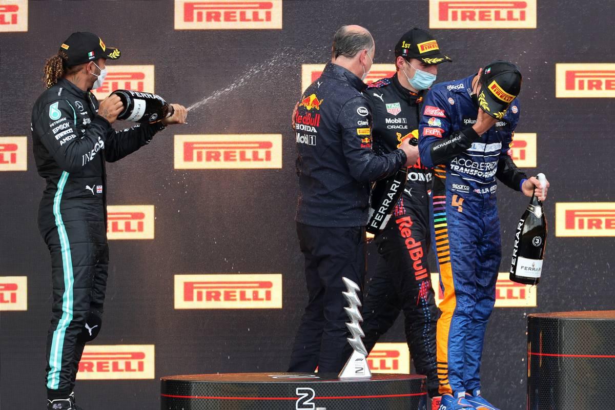 Lewis Hamilton (GBR), Mercedes AMG F1 , Max Verstappen (NLD), Red Bull Racing, Lando Norris (GBR), McLaren F1 Team and Karl Sengstbratl, Red Bull Racing Finance & Operations Director 18.04.2021. Formula 1 World Championship, Rd 2, Emilia Romagna Grand Prix, Imola