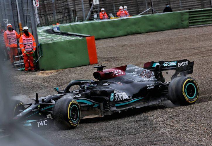 Lewis Hamilton (GBR) Mercedes AMG F1 W12 runs off the circuit at Tosa. 18.04.2021. Formula 1 World Championship, Rd 2, Emilia Romagna Grand Prix, Imola