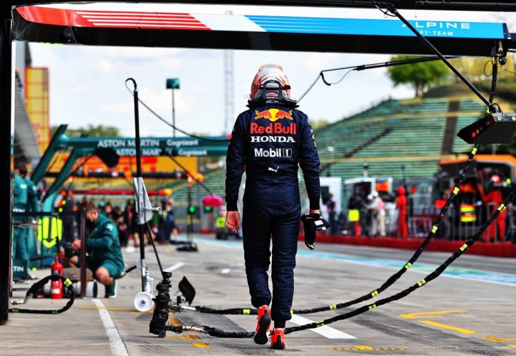 Max Verstappen (NLD) Red Bull Racing stopped in the second practice session. 16.04.2021. Formula 1 World Championship, Rd 2, Emilia Romagna Grand Prix, Imola