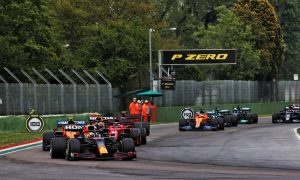 Max Verstappen (NLD) Red Bull Racing RB16B leads at the restart. 18.04.2021. Formula 1 World Championship, Rd 2, Emilia Romagna Grand Prix, Imola