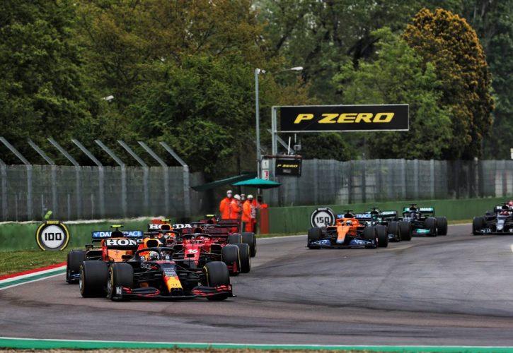 Max Verstappen (NLD) Red Bull Racing RB16B leads at the restart. 18.04.2021. Formula 1 World Championship, Rd 2, Emilia Romagna Grand Prix, Imola