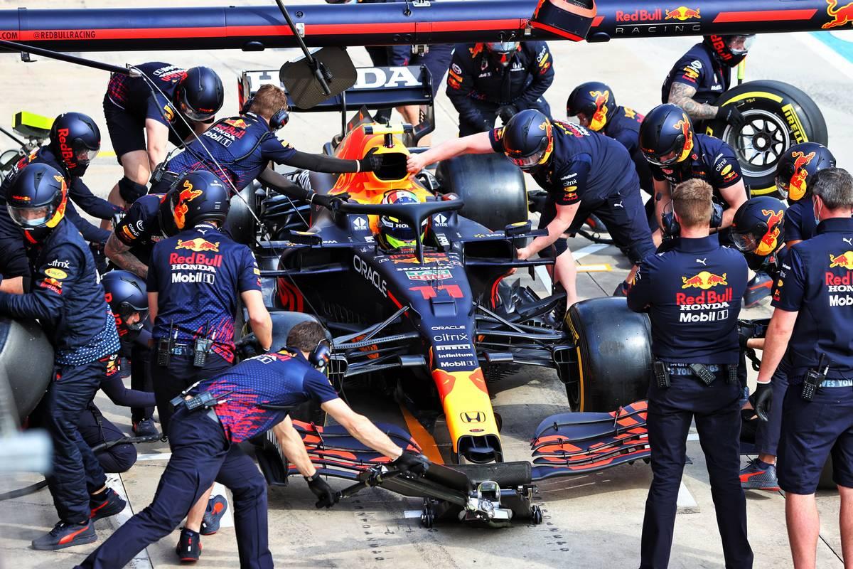 Sergio Perez (MEX) Red Bull Racing RB16B. 16.04.2021. Formula 1 World Championship, Rd 2, Emilia Romagna Grand Prix, Imola