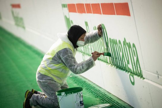 Circuit atmosphere - trackside walls painted. 15.04.2021. Formula 1 World Championship, Rd 2, Emilia Romagna Grand Prix, Imola, Italy, Preparation Day. - www.xpbimages.com, EMail: requests@xpbimages.com © Copyright: Bearne / XPB Images