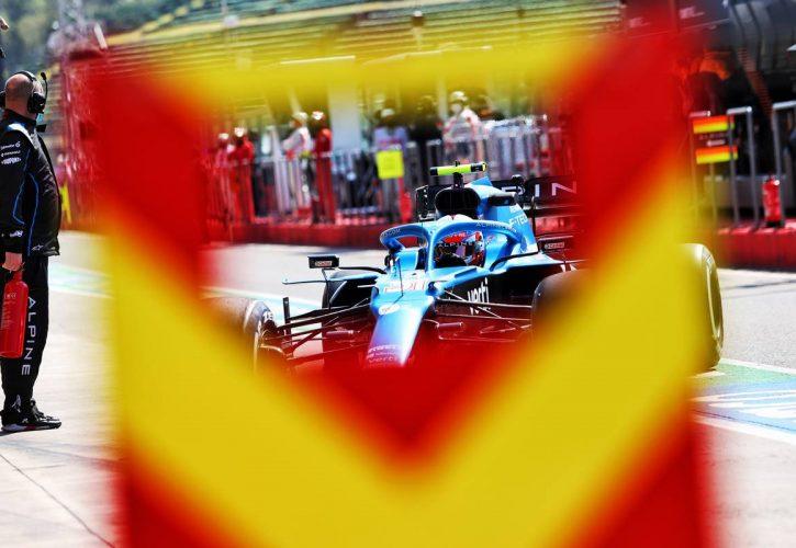 Esteban Ocon (FRA) Alpine F1 Team A521 in the pits. 16.04.2021. Formula 1 World Championship, Rd 2, Emilia Romagna Grand Prix, Imola