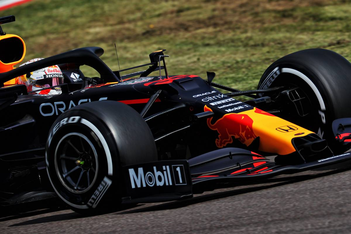 Verstappen bounces back and takes command in FP3