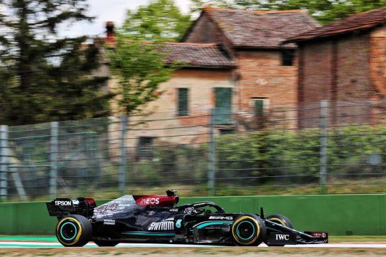 Lewis Hamilton (GBR) Mercedes AMG F1 W12. 16.04.2021. Formula 1 World Championship, Rd 2, Emilia Romagna Grand Prix, Imola, Italy, Practice Day. - www.xpbimages.com, EMail: requests@xpbimages.com © Copyright: Batchelor / XPB Images