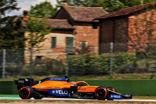 Daniel Ricciardo (AUS) McLaren MCL35M. 16.04.2021. Formula 1 World Championship, Rd 2, Emilia Romagna Grand Prix, Imola, Italy, Practice Day. - www.xpbimages.com, EMail: requests@xpbimages.com © Copyright: Batchelor / XPB Images