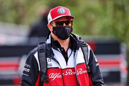 Kimi Raikkonen (FIN) Alfa Romeo Racing. 17.04.2021. Formula 1 World Championship, Rd 2, Emilia Romagna Grand Prix, Imola, Italy, Qualifying Day. - www.xpbimages.com, EMail: requests@xpbimages.com © Copyright: Moy / XPB Images
