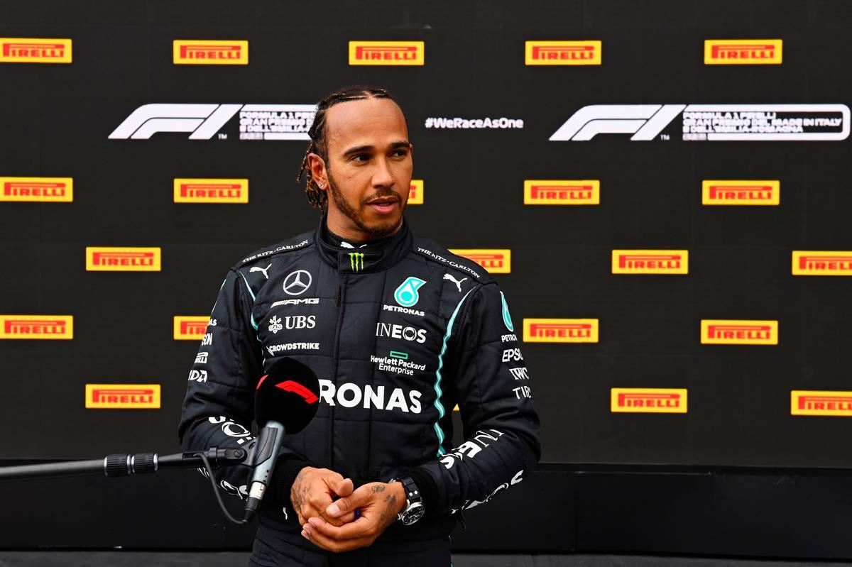 Pole sitter Lewis Hamilton (GBR) Mercedes AMG F1 in qualifying parc ferme. 17.04.2021. Formula 1 World Championship, Rd 2, Emilia Romagna Grand Prix, Imola