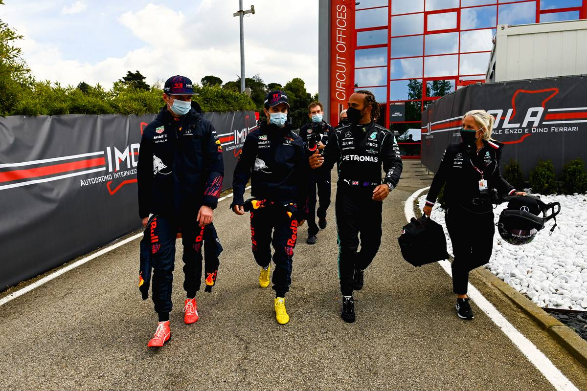 Max Verstappen (NLD) Red Bull Racing with Sergio Perez (MEX) Red Bull Racing and Lewis Hamilton (GBR) Mercedes AMG F1. 17.04.2021. Formula 1 World Championship, Rd 2, Emilia Romagna Grand Prix, Imola