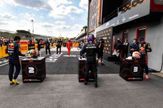 Qualifying parc ferme (L to R): Sergio Perez (MEX) Red Bull Racing, second; Lewis Hamilton (GBR) Mercedes AMG F1, pole position; Max Verstappen (NLD) Red Bull Racing, third. 17.04.2021. Formula 1 World Championship, Rd 2, Emilia Romagna Grand Prix, Imola, Italy, Qualifying Day. - www.xpbimages.com, EMail: requests@xpbimages.com © Copyright: FIA Pool Image for Editorial Use Only