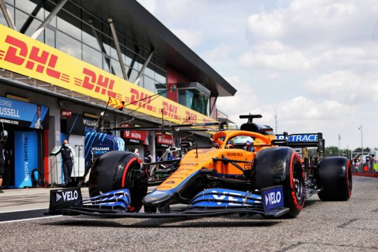 Daniel Ricciardo (AUS) McLaren MCL35M. 17.04.2021. Formula 1 World Championship, Rd 2, Emilia Romagna Grand Prix, Imola, Italy, Qualifying Day. - www.xpbimages.com, EMail: requests@xpbimages.com © Copyright: Bearne / XPB Images