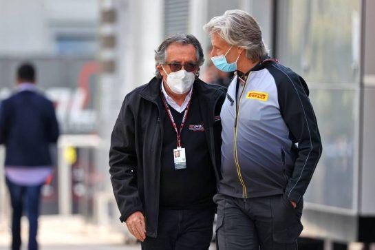 (L to R): Giancarlo Minardi (ITA) with Max Damiani (ITA) Pirelli F1 Chief Engineer Co-ordinator. 18.04.2021. Formula 1 World Championship, Rd 2, Emilia Romagna Grand Prix, Imola, Italy, Race Day. - www.xpbimages.com, EMail: requests@xpbimages.com © Copyright: Moy / XPB Images