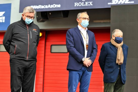 (L to R): Ross Brawn (GBR) Managing Director, Motor Sports; Stefano Domenicali (ITA) Formula One President and CEO; Jean Todt (FRA) FIA President - F1 pays tribute to two time 125cc World Champion and Moto GP Team Manager Fausto Gresini (ITA). 18.04.2021. Formula 1 World Championship, Rd 2, Emilia Romagna Grand Prix, Imola, Italy, Race Day. - www.xpbimages.com, EMail: requests@xpbimages.com © Copyright: Moy / XPB Images