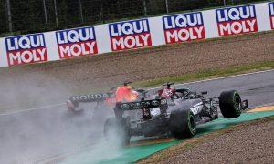 Verstappen forcing Hamilton to take 'big risks' - Villeneuve