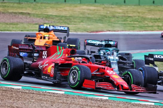 Carlos Sainz Jr (ESP) Ferrari SF-21. 18.04.2021. Formula 1 World Championship, Rd 2, Emilia Romagna Grand Prix, Imola, Italy, Race Day. - www.xpbimages.com, EMail: requests@xpbimages.com © Copyright: Charniaux / XPB Images