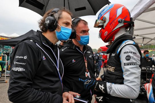 Esteban Ocon (FRA) Alpine F1 Team with Ciaron Pilbeam (GBR) Alpine F1 Team Chief Race Engineer and Alan Permane (GBR) Alpine F1 Team Trackside Operations Director. 18.04.2021. Formula 1 World Championship, Rd 2, Emilia Romagna Grand Prix, Imola, Italy, Race Day. - www.xpbimages.com, EMail: requests@xpbimages.com © Copyright: Moy / XPB Images