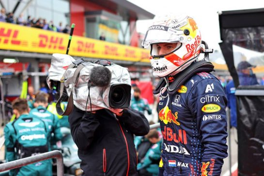 Max Verstappen (NLD) Red Bull Racing in the pits while the race is stopped. 18.04.2021. Formula 1 World Championship, Rd 2, Emilia Romagna Grand Prix, Imola, Italy, Race Day. - www.xpbimages.com, EMail: requests@xpbimages.com © Copyright: Bearne / XPB Images