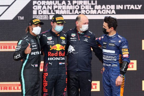 Lewis Hamilton (GBR), Mercedes AMG F1 , Max Verstappen (NLD), Red Bull Racing, Lando Norris (GBR), McLaren F1 Team and Karl Sengstbratl, Red Bull Racing Finance & Operations Director18.04.2021. Formula 1 World Championship, Rd 2, Emilia Romagna Grand Prix, Imola, Italy, Race Day.- www.xpbimages.com, EMail: requests@xpbimages.com © Copyright: Charniaux / XPB Images
