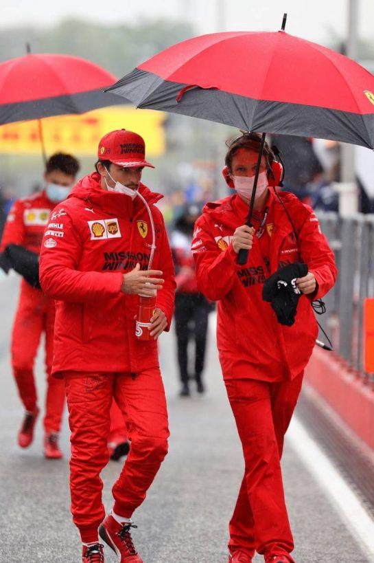 Carlos Sainz Jr (ESP) Ferrari on the grid. 18.04.2021. Formula 1 World Championship, Rd 2, Emilia Romagna Grand Prix, Imola, Italy, Race Day. - www.xpbimages.com, EMail: requests@xpbimages.com © Copyright: Bearne / XPB Images