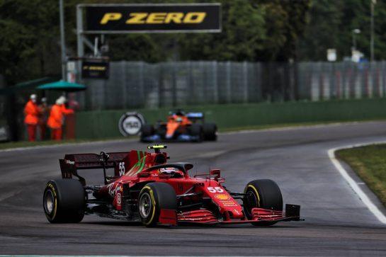 Carlos Sainz Jr (ESP) Ferrari SF-21. 18.04.2021. Formula 1 World Championship, Rd 2, Emilia Romagna Grand Prix, Imola, Italy, Race Day. - www.xpbimages.com, EMail: requests@xpbimages.com © Copyright: Batchelor / XPB Images